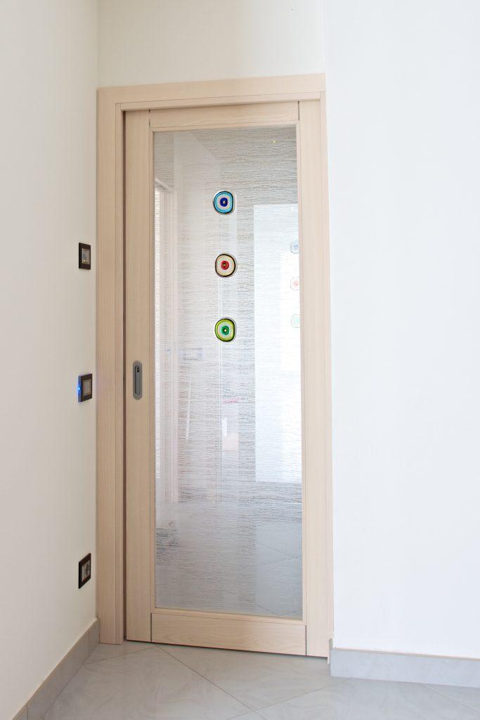 Falegnameria ossari gallery alcune foto dei nostri progetti - Porte con vetro decorato ...